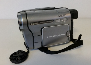 Sony DCR TRV 270 E Camcorder Digital Aufnahme auf Video 8, Hi 8, Digital 8 Cassetten